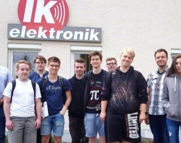 Besuch angehender Infomatiker bei IK Elektronik