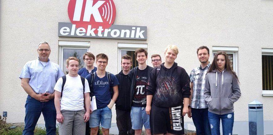 Besuch angehender Informatiker bei IK Elektronik
