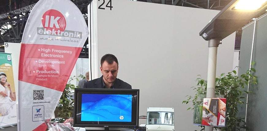 Beleuchtungssteuerung mit StromPager und Sigfox auf dem Messestand von IK Elektronik