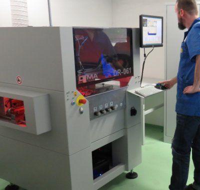 Beschichtungsautomat ELITE DR in der Elektronikfertigung von IK Elektronik