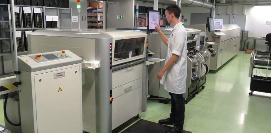 Pastendrucker für die SMT-Fertigung von Funkelektronik bei IK Elektronik